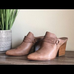 donald pliner heeled mules booties size 9.5
